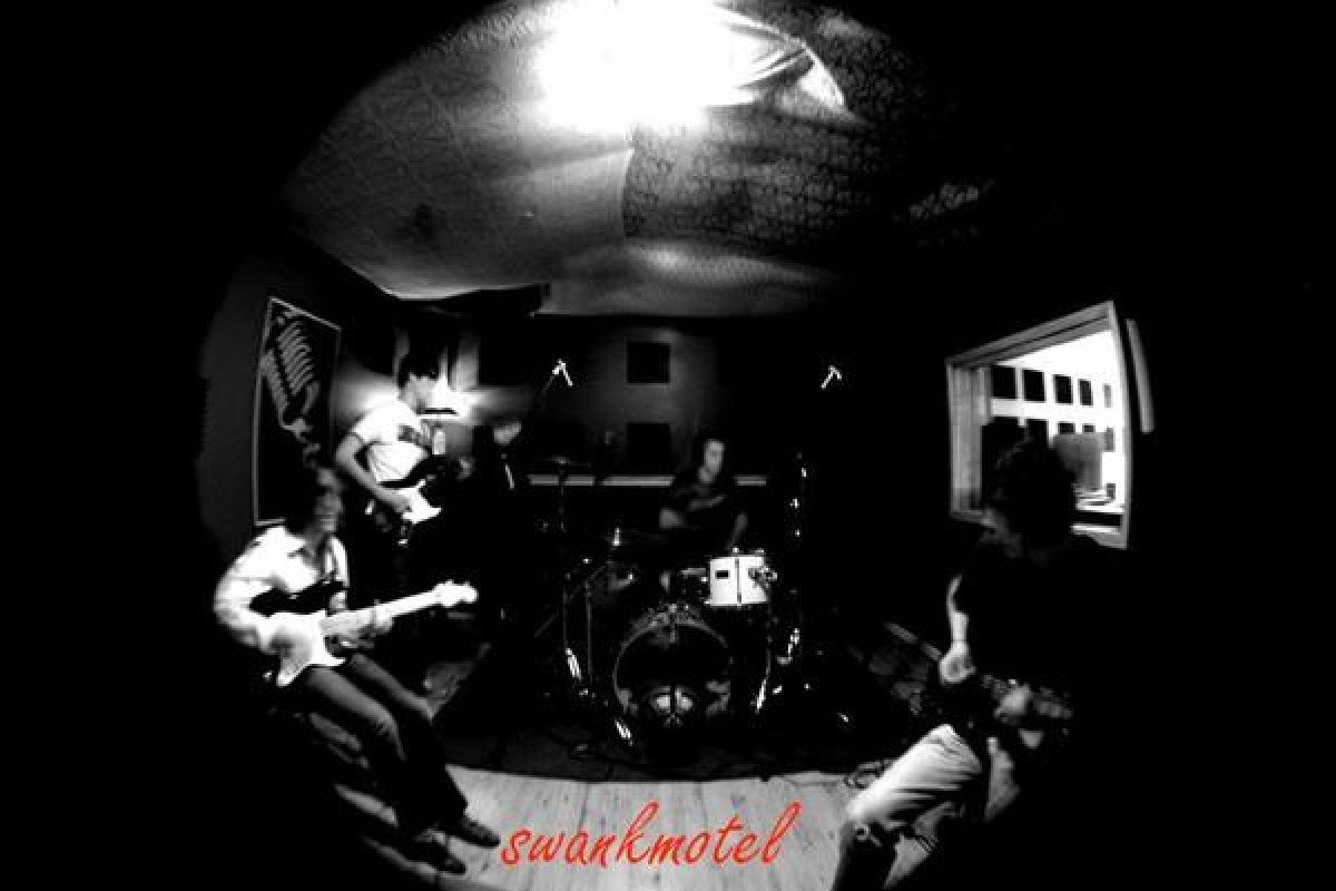 Band Profile: Swank Motel | See videos and pics, hear new songs + free music