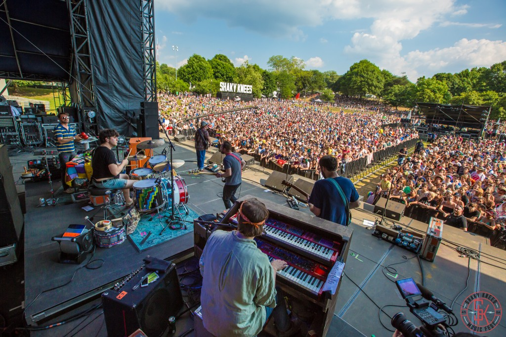 Dr Dog Shaky Knees 2015 2